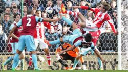 Prediksi Stoke City vs West Ham United 15 Mei 2016